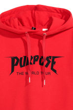 Cropped hooded top - Red/Justin Bieber - Ladies | H&M 3